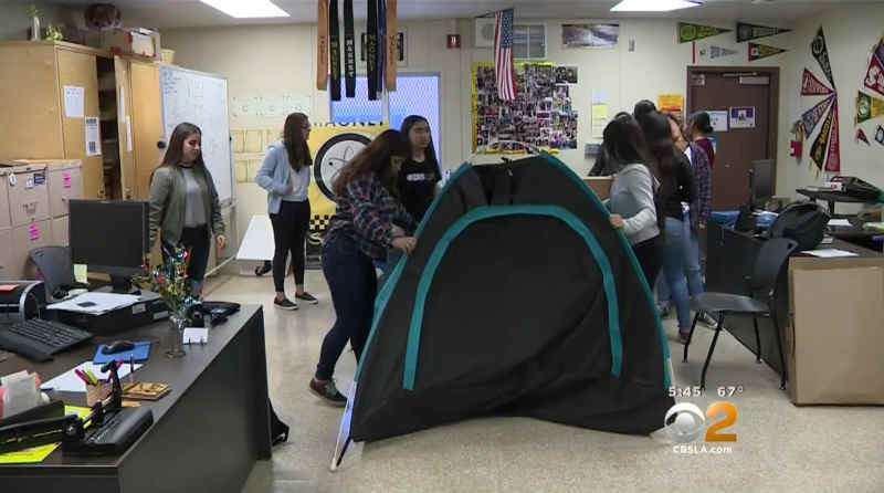 High school Girls develop Solar Power Tent for the Homeless