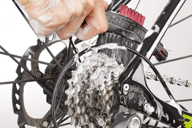 Scrubbing cassette on bike