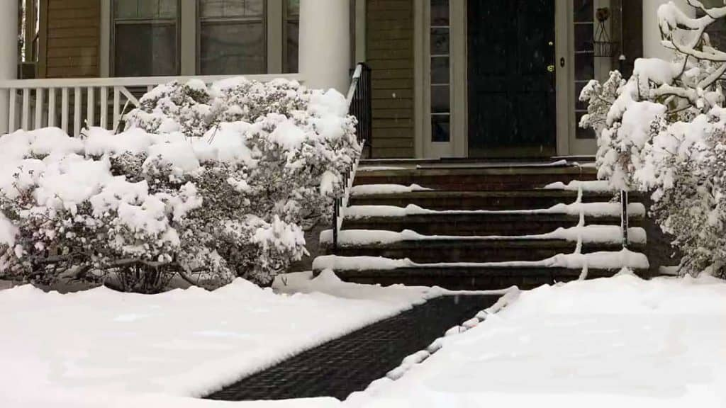 snow melting stairs mats